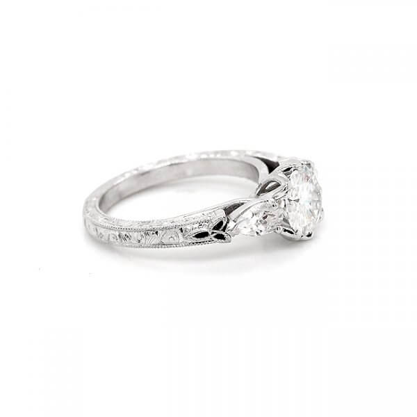 Tulip Vintage Engagement Ring R3061venw