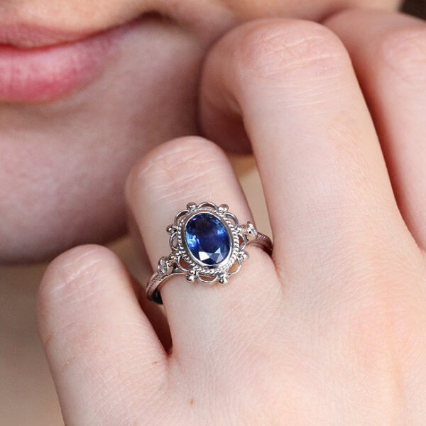 Vintage inspired sapphire engagement ring in solid gold OroSpot