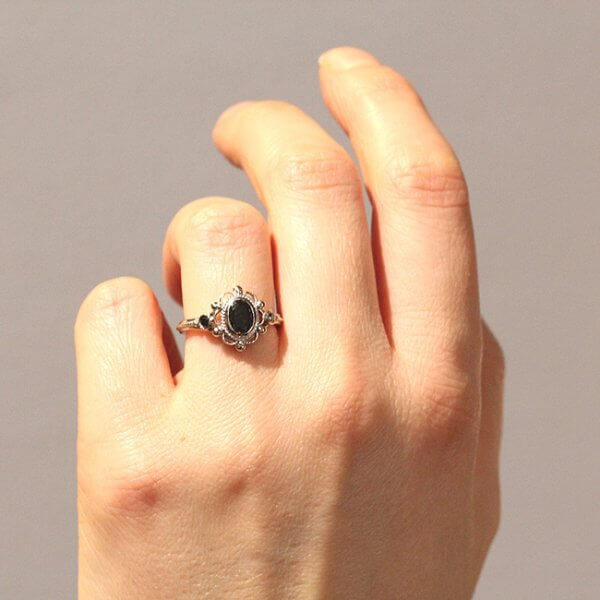 three stone victorian engagement ring OroSpot