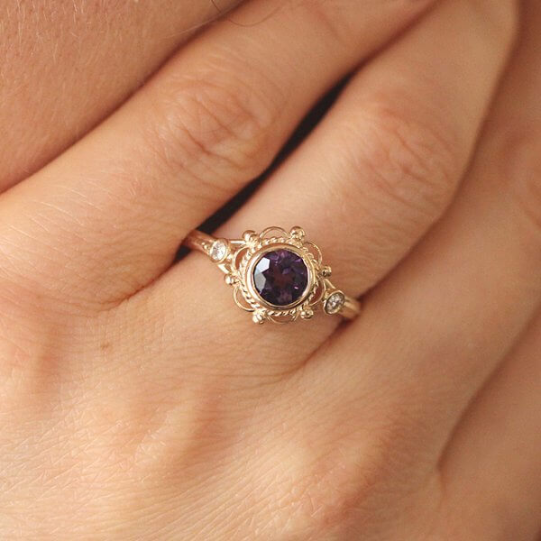 Antique style engagement ring with amethyst and diamonds OroSpot