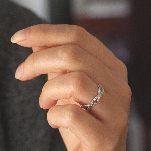 Braided hand engraved wedding band OroSpot