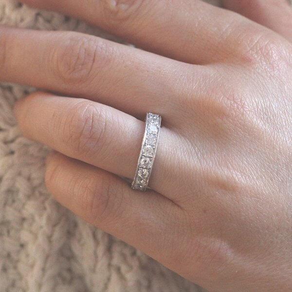 Bridal band with engraving and diamond half way down by OroSpot