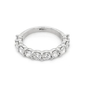 Classic 1.7Ct diamond wedding ring