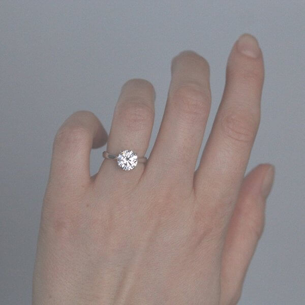 Classic Moissanite Engegement Ring OroSpot