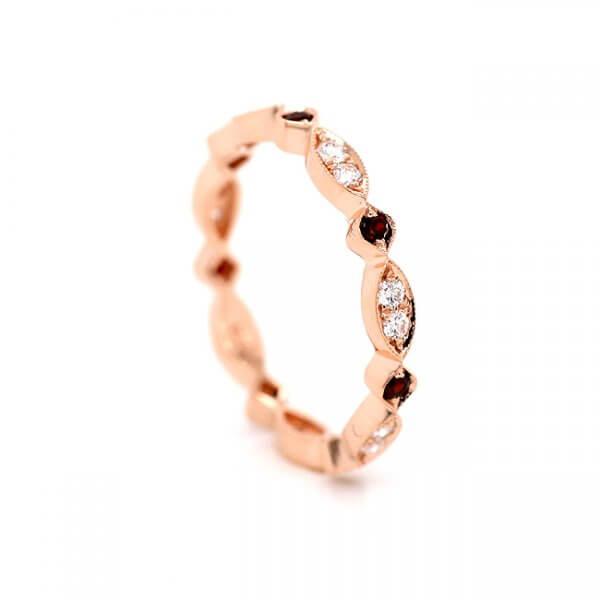 Contemporary diamond stackable band OroSpot