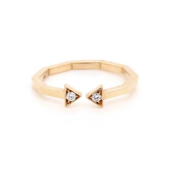 Diamond open arrow ring OroSpot