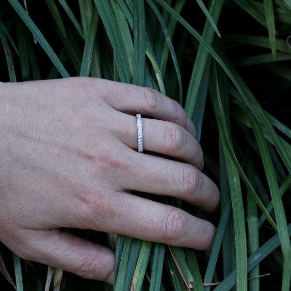 Elegant edwardian hand engraed wedding ring by OroSpot