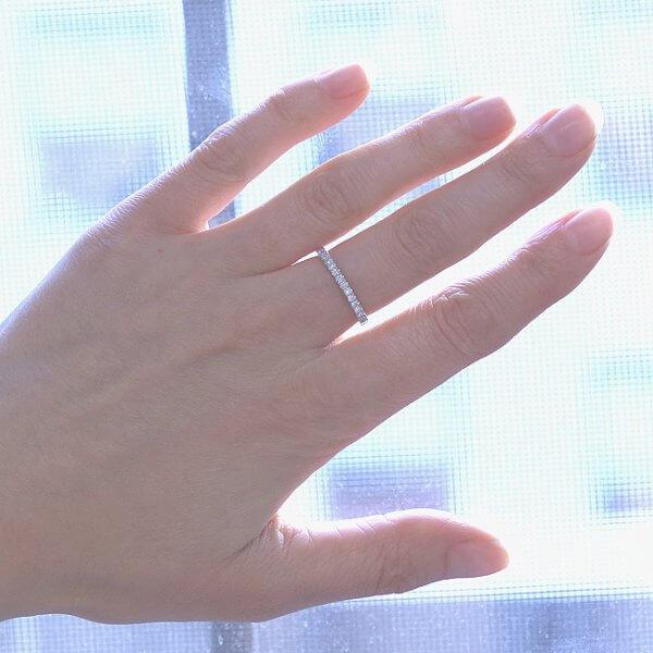 Elegant half way diamond scoop set weding ring by OroSpot