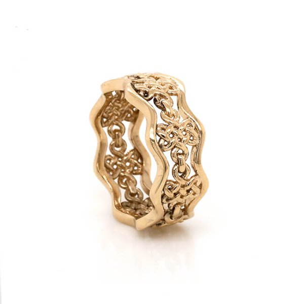Enless Love Knot Wedding Band