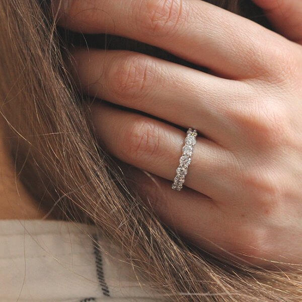 Feminine 4mm diamond wedding ring in platinum by OroSpot
