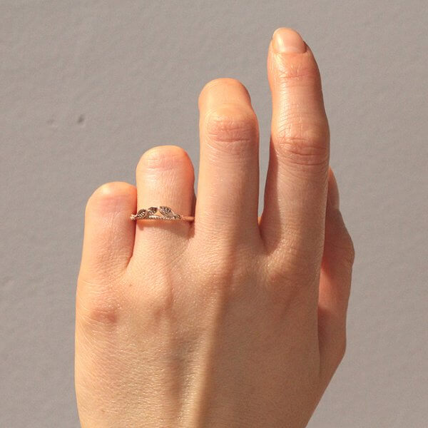 Leaf matching wedding band in solid gold