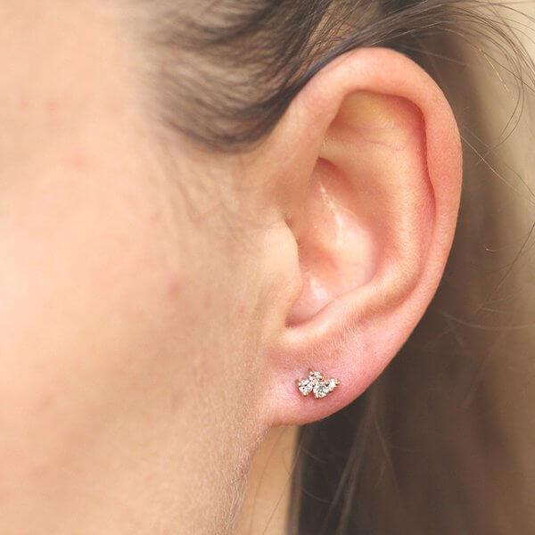 Minimalist diamond studs earrings