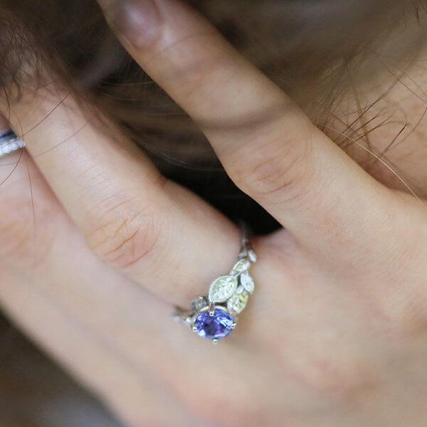Non traditional Tanzanite engagement ring in solid gold OroSpot