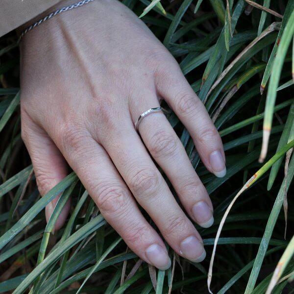 Simplist diamond ocatagon 1.3mm band OroSpot