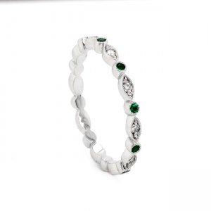Thin Diamond with Emeralds Weeding Ring
