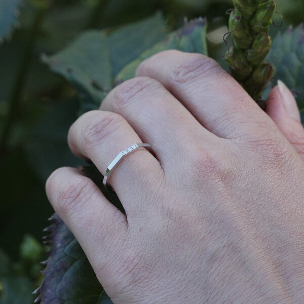 rhree diamonds thin modern wedding band