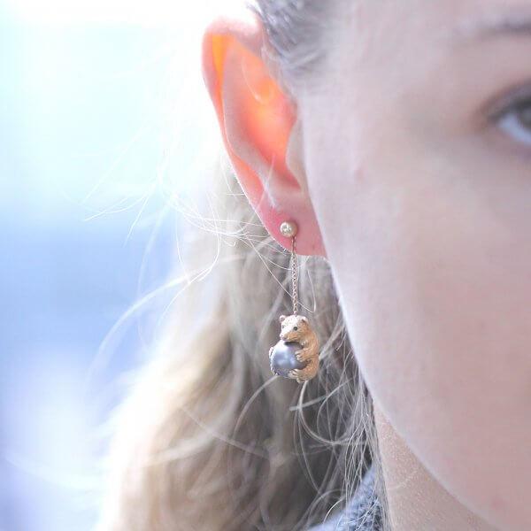 Drop bear earrings in 3d with pearls