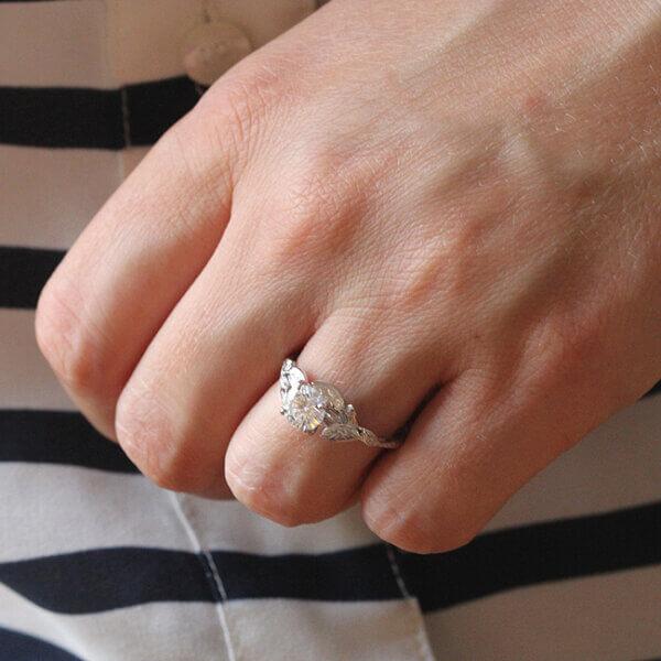 Diamond Floral proposal ring by OroSpot