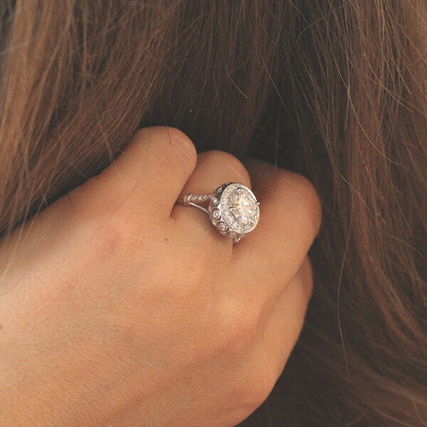 Bubble vintage diamond engagement ring by OroSpot