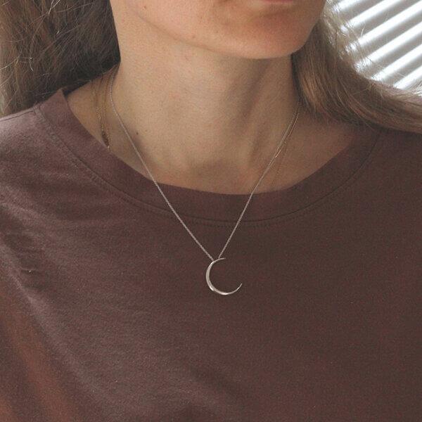 Delicate half moon necklace by OroSpot