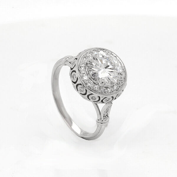 Dome antique promise ring with diamonds by OroSpot