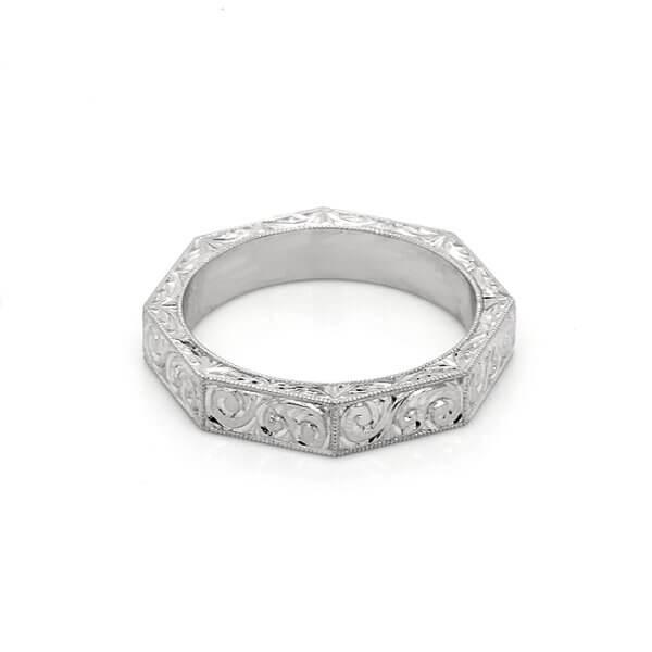 Eight sided vintage style wedding ring OroSpot