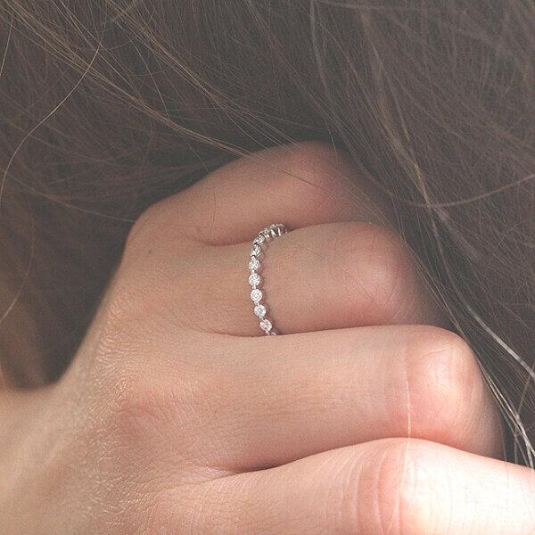 Delicate single shared prong diamond wedding ring OroSpot