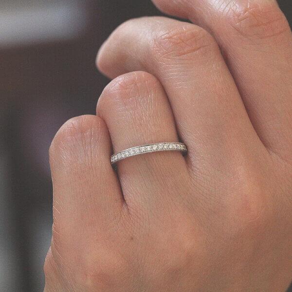 Antique inspired diamond bead set half way band OroSpot