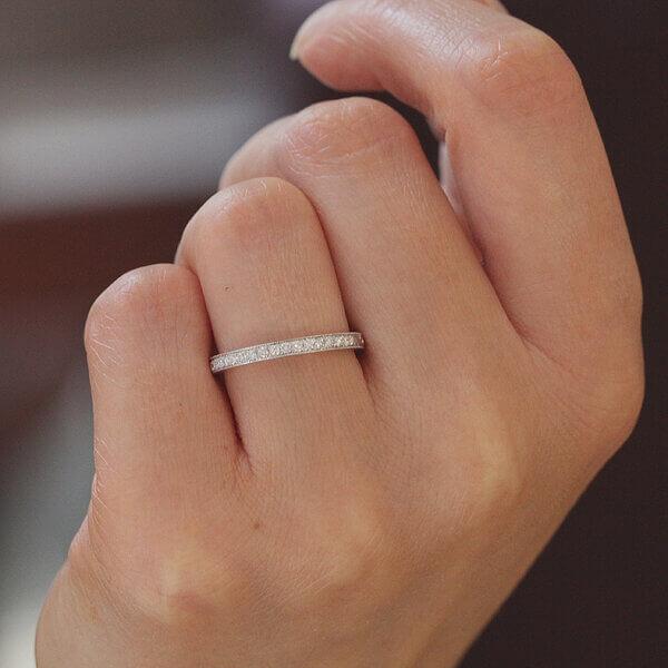 Vintage elegant diamond half way diamond wedding ring by OroSpot