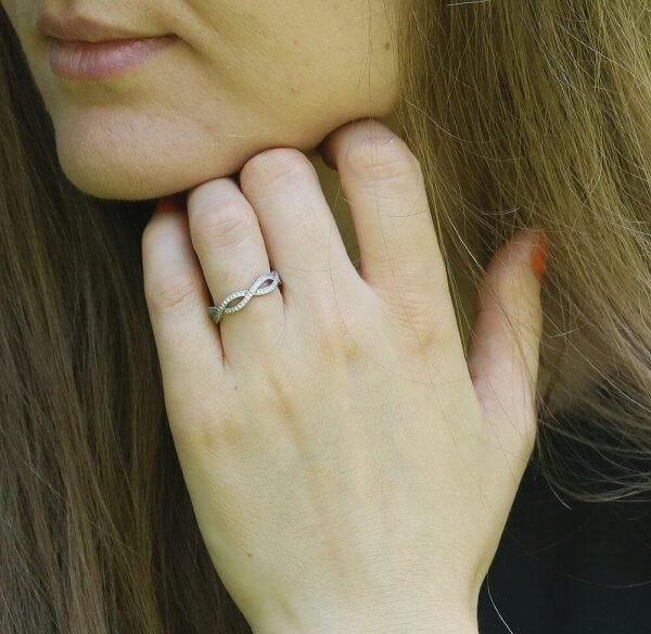 Engraved diamond twist woven wedding ring by OroSpot