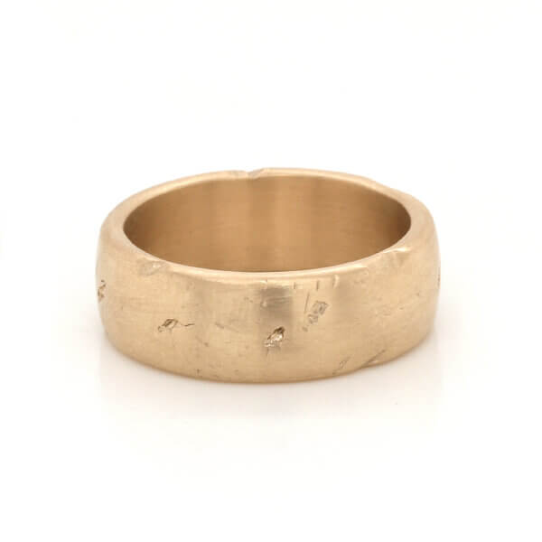 Old looking wedding band in solid gold with antique finish by OroSpot