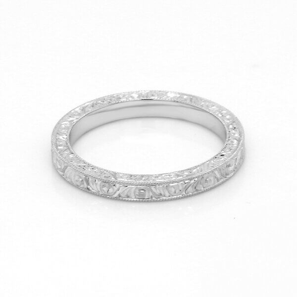 Scroll engraved vintage stackable wedding ring by OroSpot