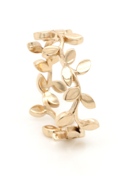 Unique wedding band with organic leaf design in solid gold by OroSpot