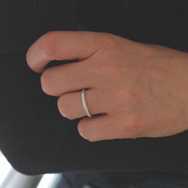 Vintage elegant riamond half way diamond wedding ring by OroSpot