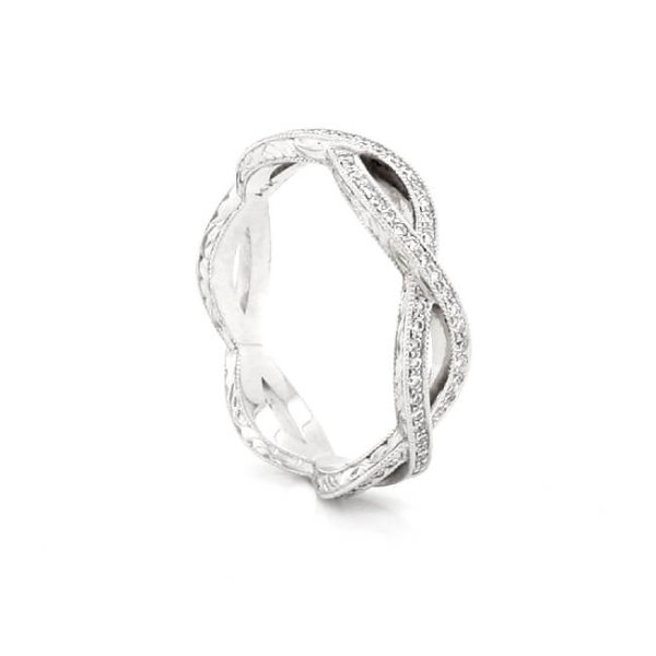 Vintage infinity crossover wedding band with diamonds by OroSpot