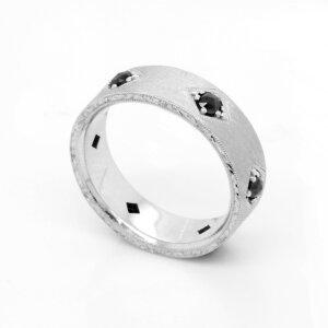 Vintage men's wedding ring with black diamonds by OroSpot