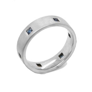 Contemporary Sapphire Wedding Ring in 14k gold